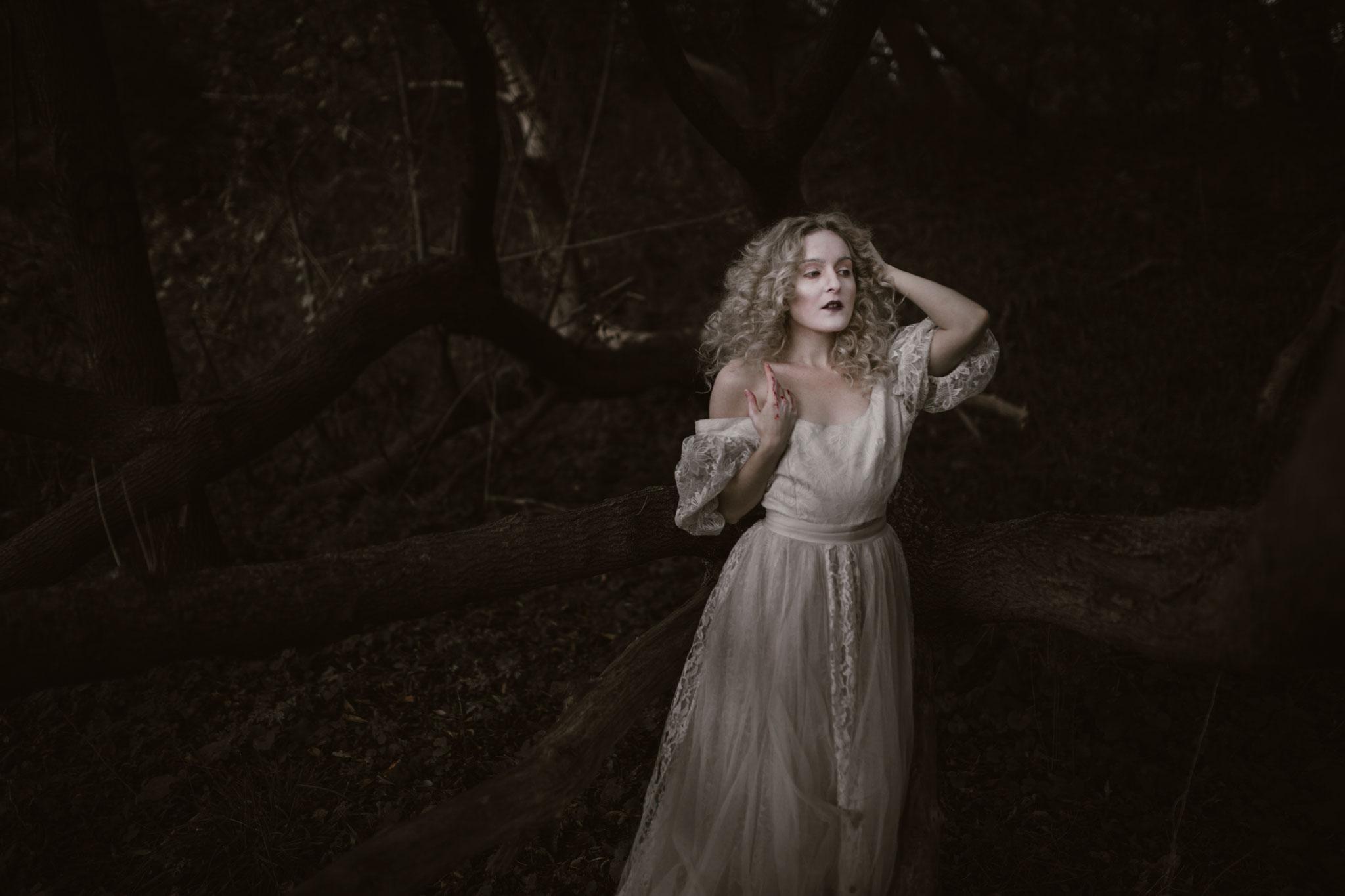 pale-witch-113fb.jpg