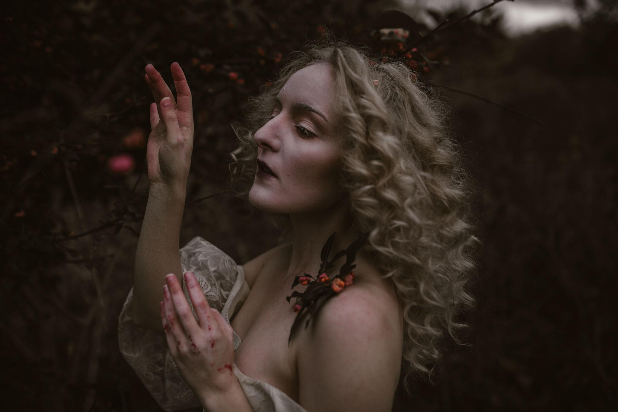 pale-witch-200fb.jpg