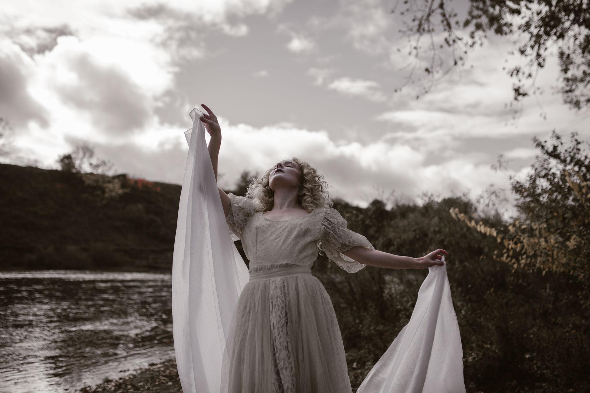 pale-witch-213fb.jpg