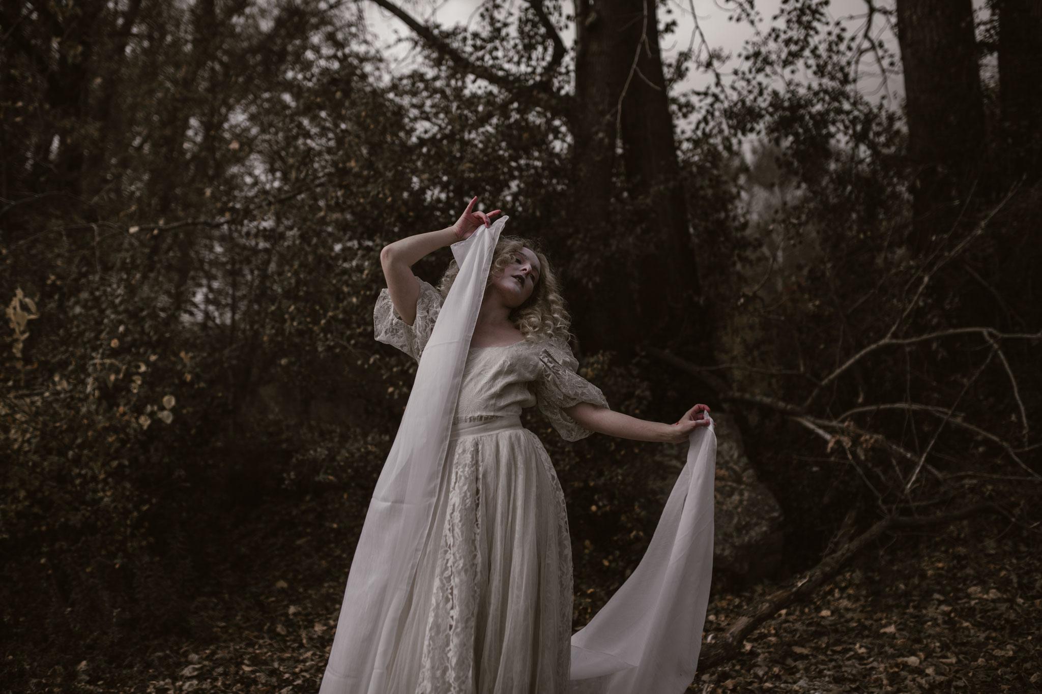 pale-witch-214fb.jpg
