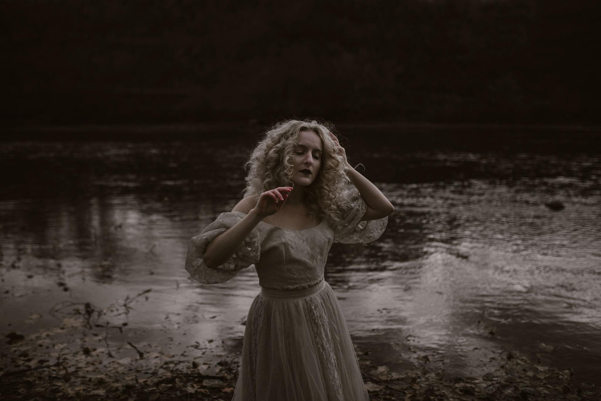 pale-witch-244fb.jpg