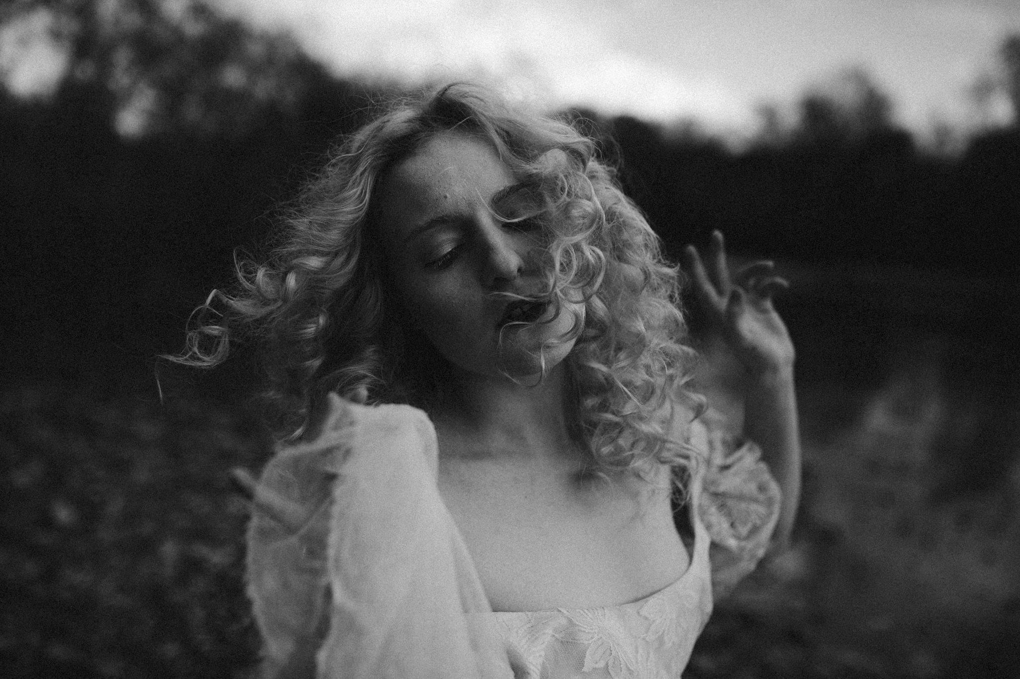 pale-witch-255fb.jpg