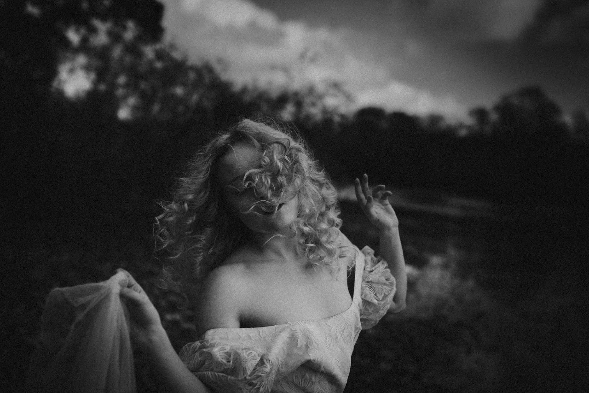 pale-witch-257fb.jpg