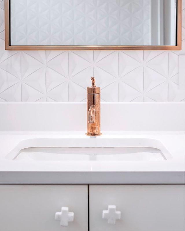 Copper fixtures and origami wallpaper!  @phillipjeffriesltd  #warmmodern #austindesign