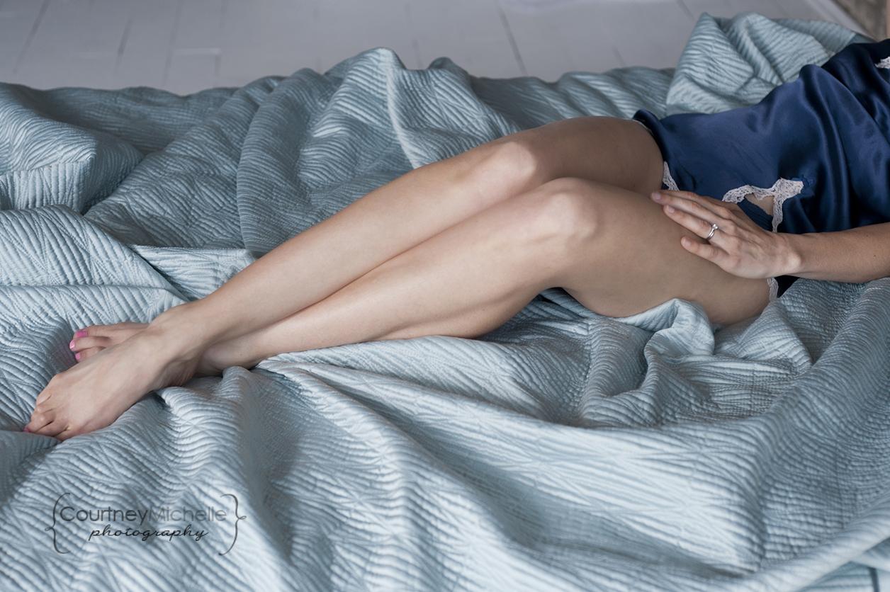 woman-legs-on-bed-boudoir-photography-by-chicago-boudoir-photographer-courtney-laper.jpg