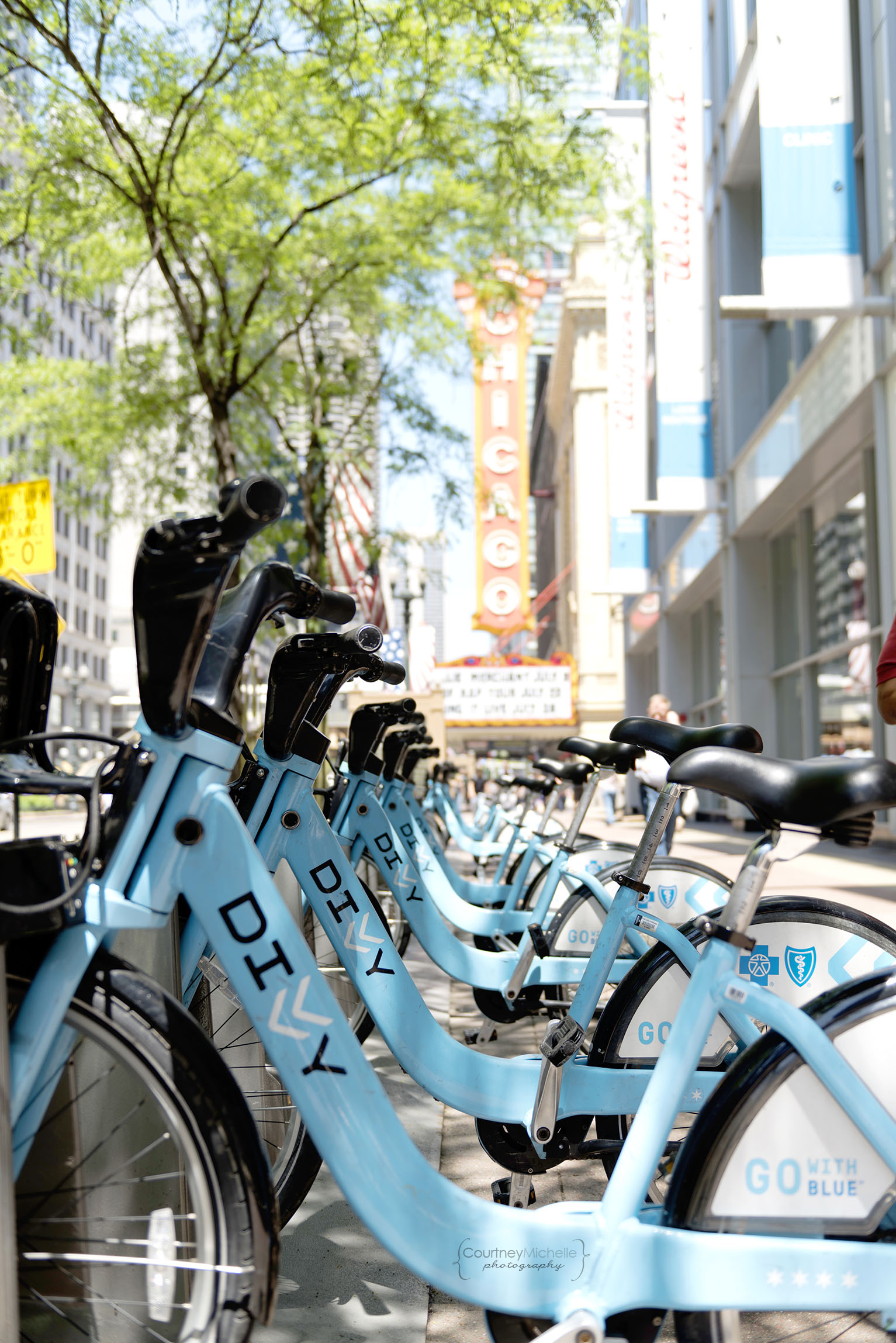 divvy_bikes_chicago_street_photography_courtney_laper_photography.jpg