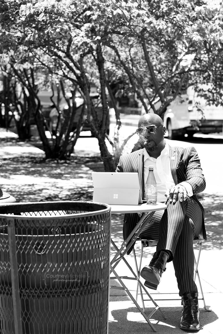 lunch_break_man_smoking_chicago_street_photography_courtney_laper_photography.jpg