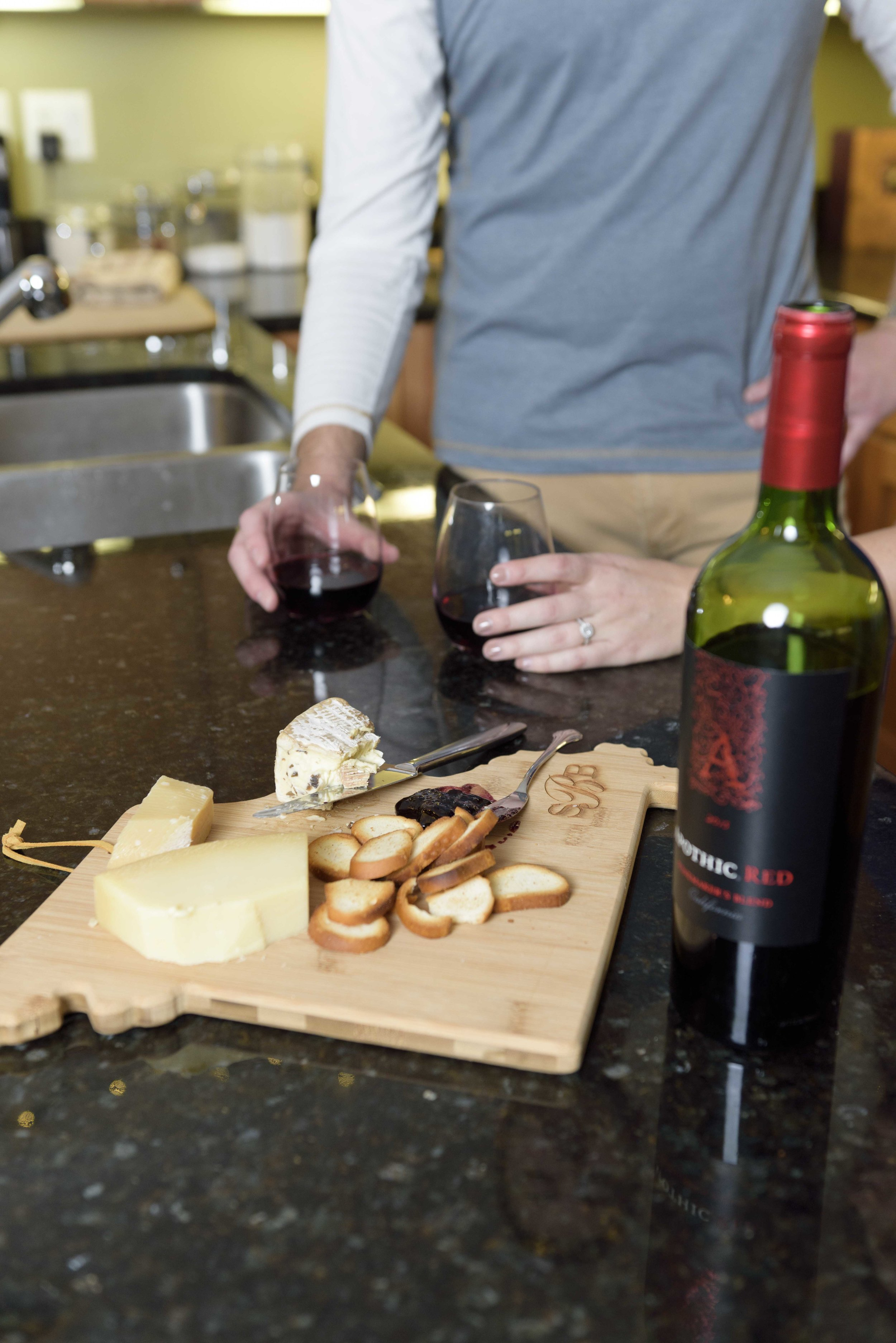 wine-and-cheese-chicago-engagement©COPYRIGHTCMP-0530.jpg