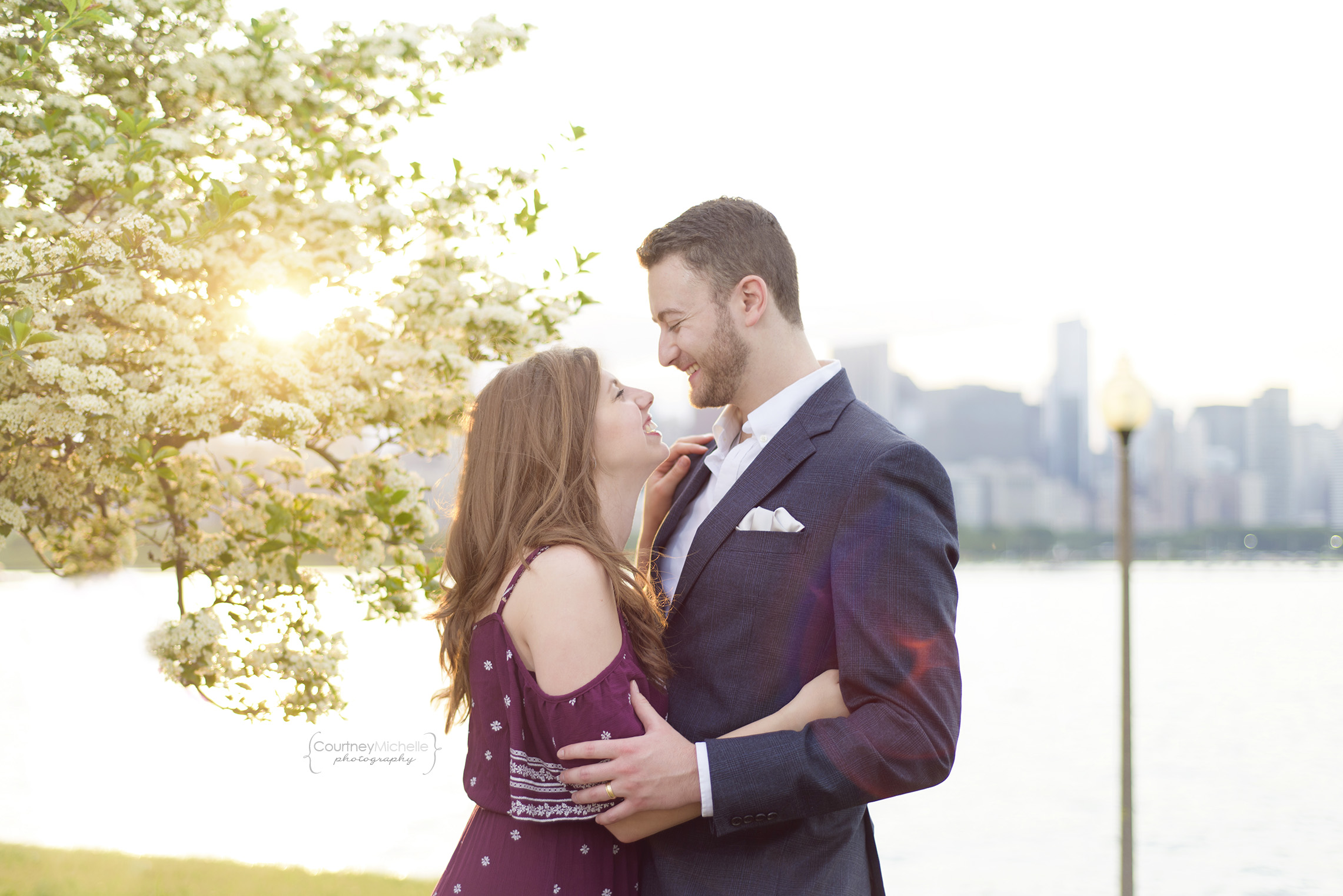 chicago-engagement-skyline-at-sunset-adler-planetarium-tree-sunflare-engagement-photography-by-courtney-laper.jpg