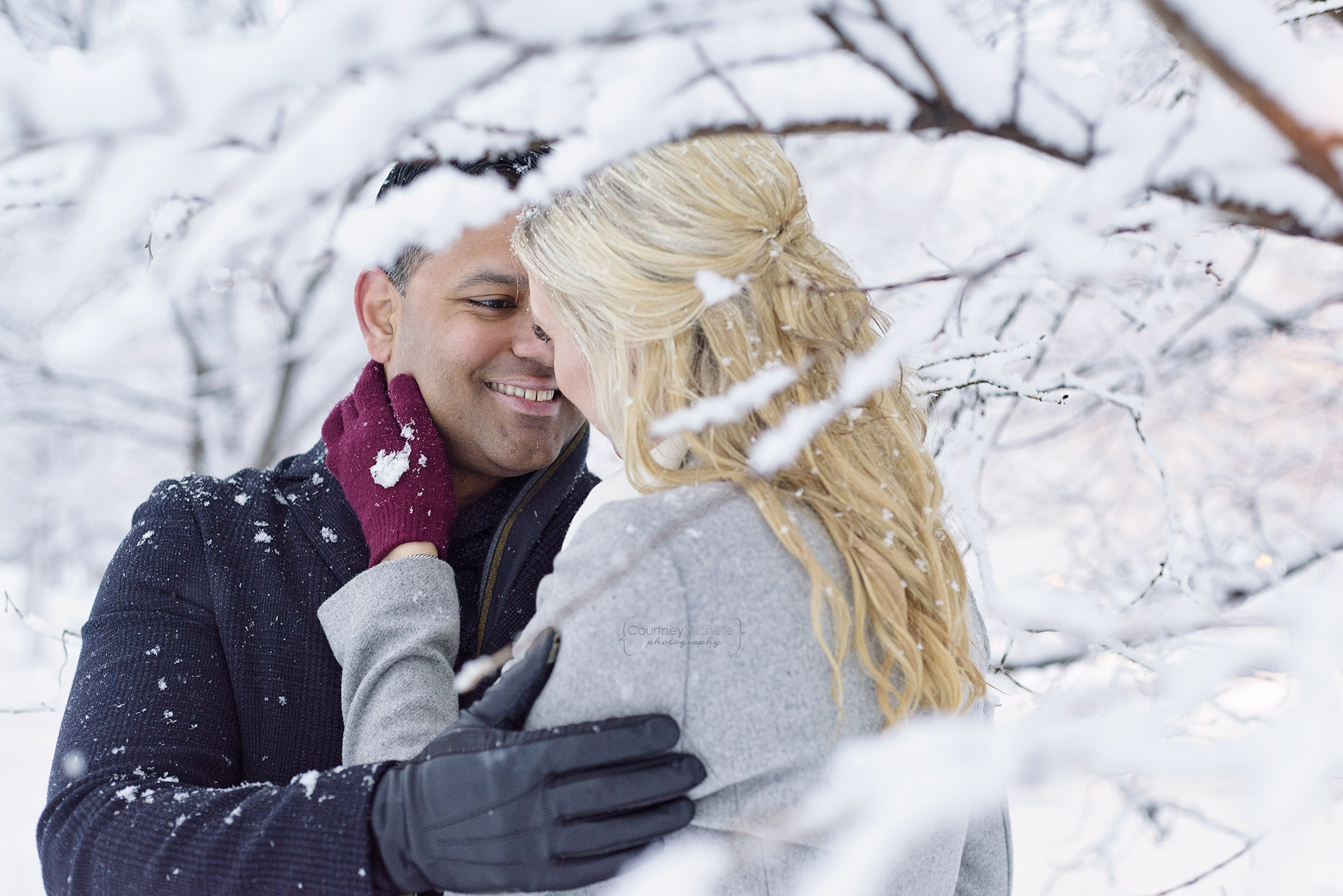 snowy-chicago-engagement-photography-museum-campus-tree-frame-courtney-laper©COPYRIGHTCMP-3530.jpg