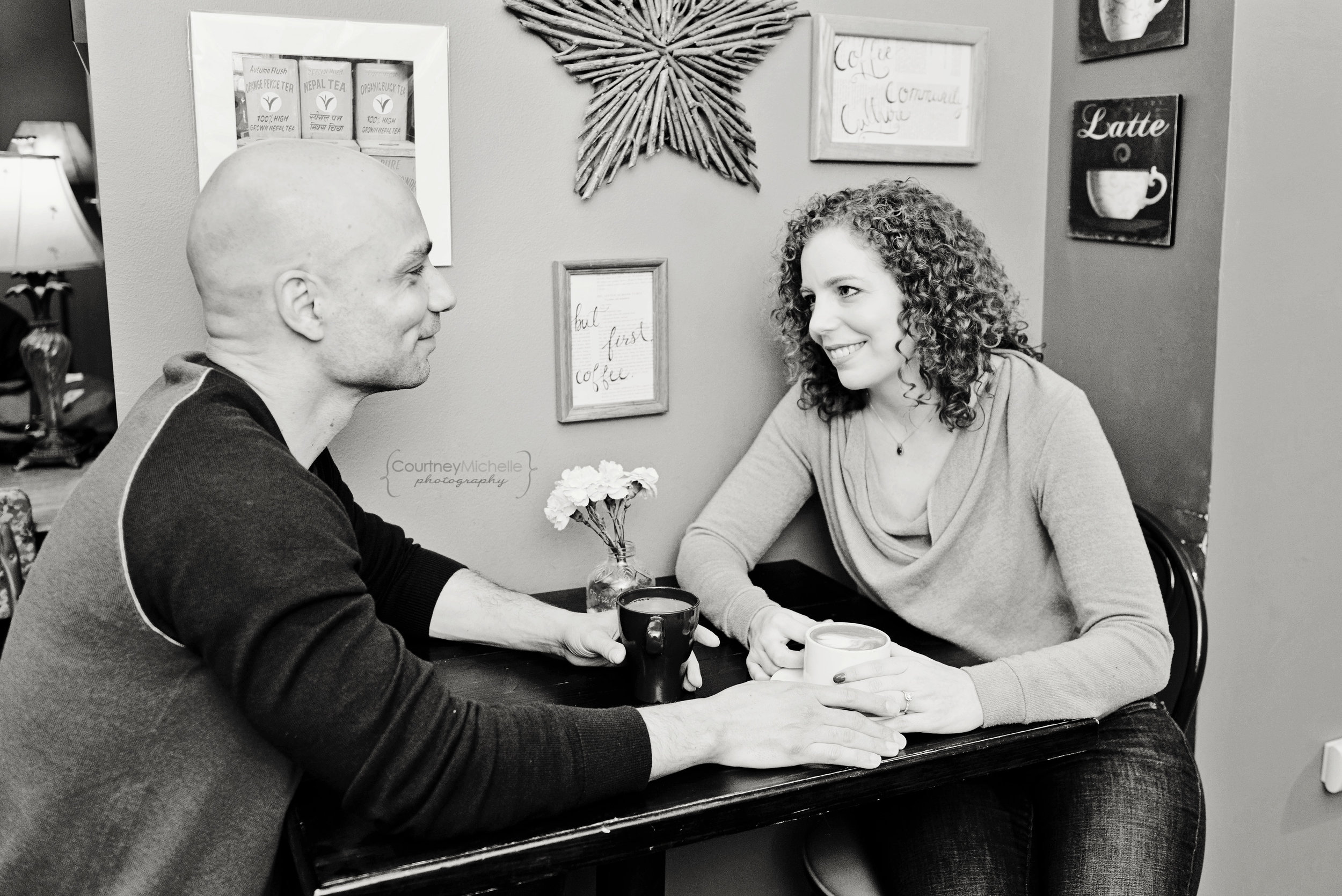 chicago-engagement-session-photography-courtney-laper-black-and-white-coffee-shop©CourtneyMichellePhotography_DSC4816.jpg