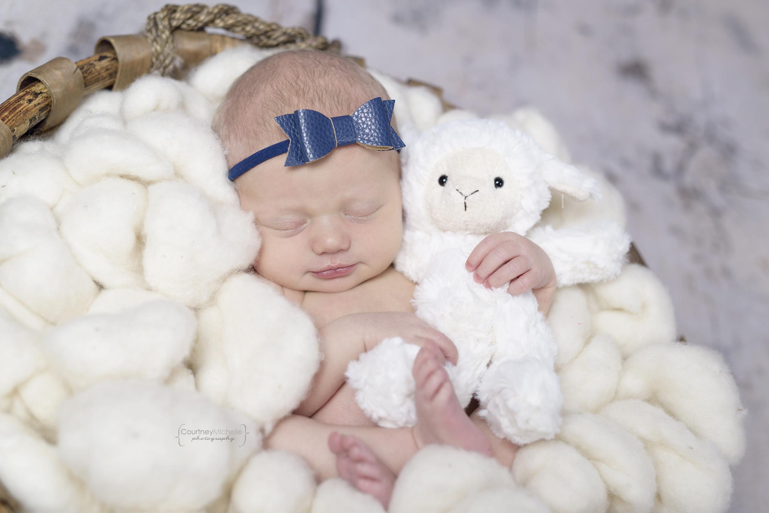 chicago-newborn-photographer©COPYRIGHTCMP-5233edit.jpg