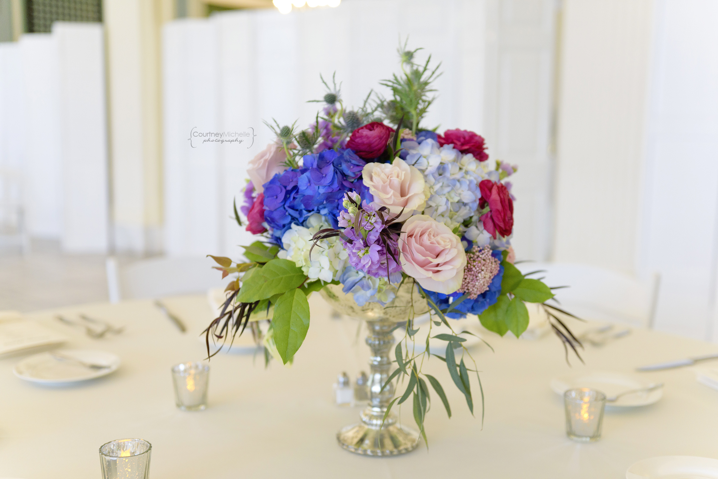 chicago-wedding-photographer-south-shore-cultural-center-table-centerpiece