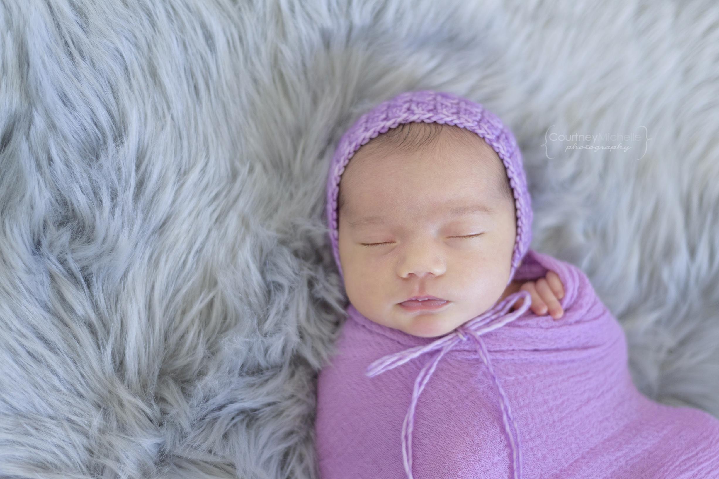 baby-in-hat-chicago-newborn-photographer-courtney-laper©COPYRIGHTCMP-edit-1828.jpg