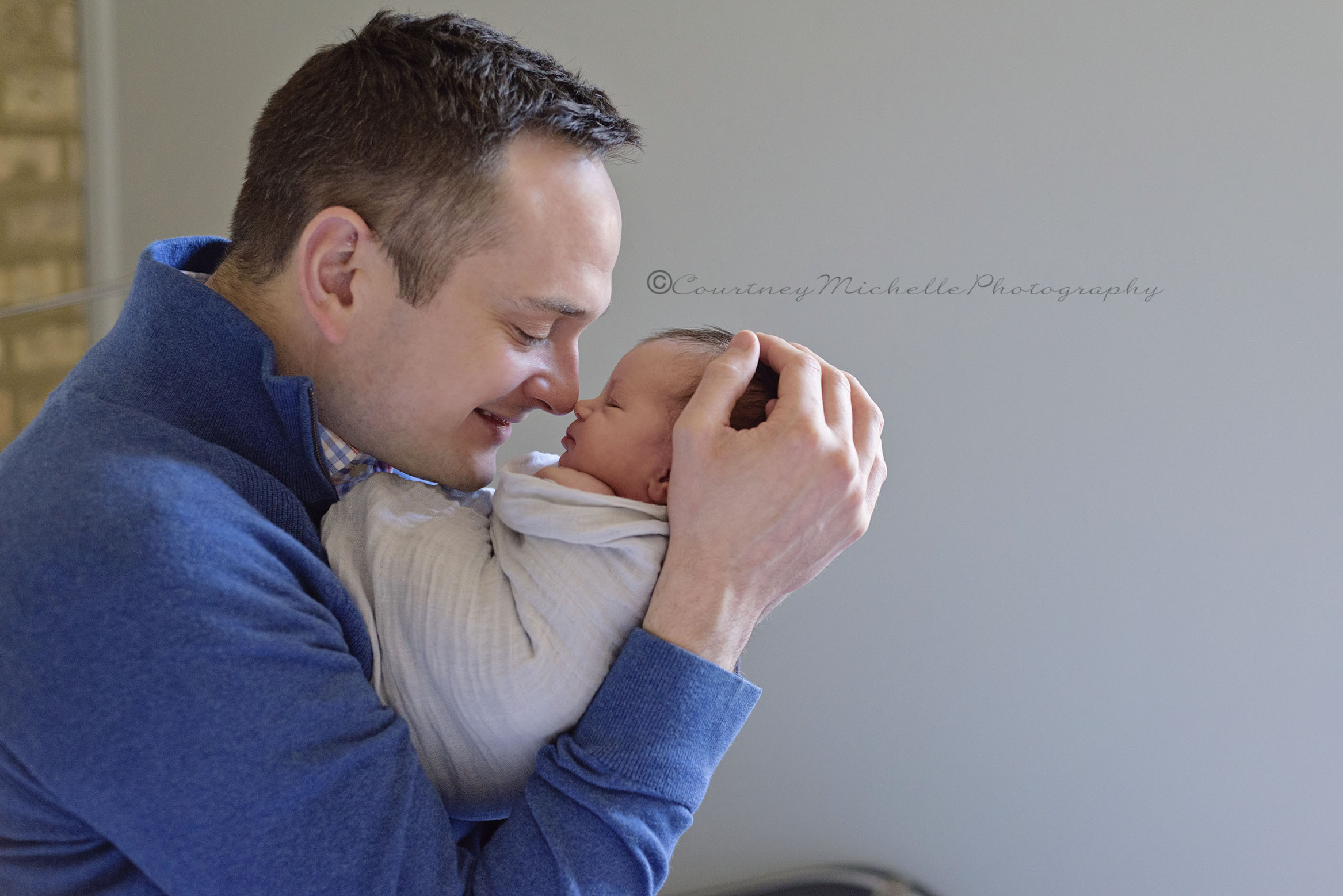chicago-newborn-photographer-courtney-laper-lifestyle-©COPYRIGHTCMP-1981edit.jpg