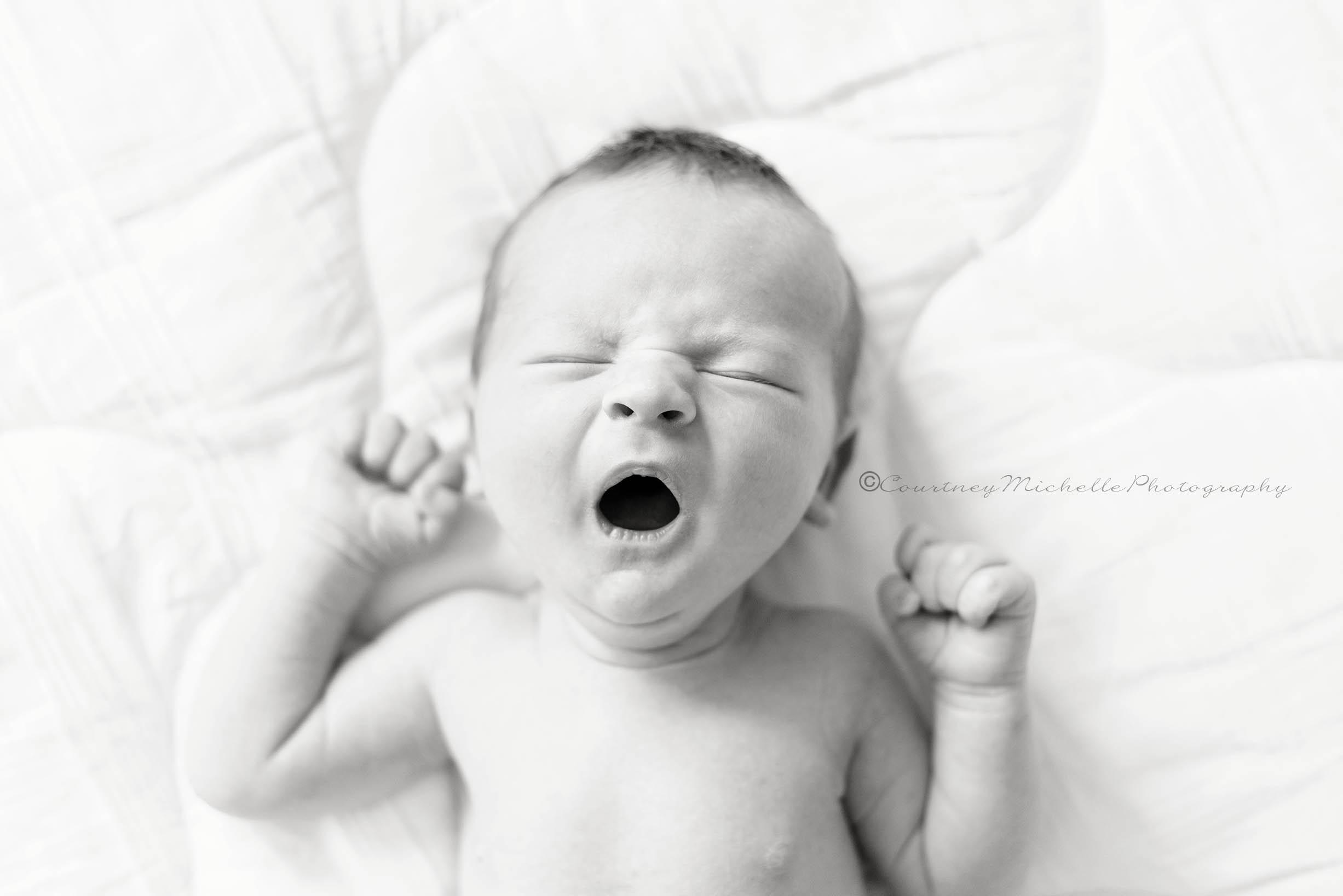 chicago-newborn-photographer-courtney-laper-lifestyle-©COPYRIGHTCMP-7938_edit.jpg