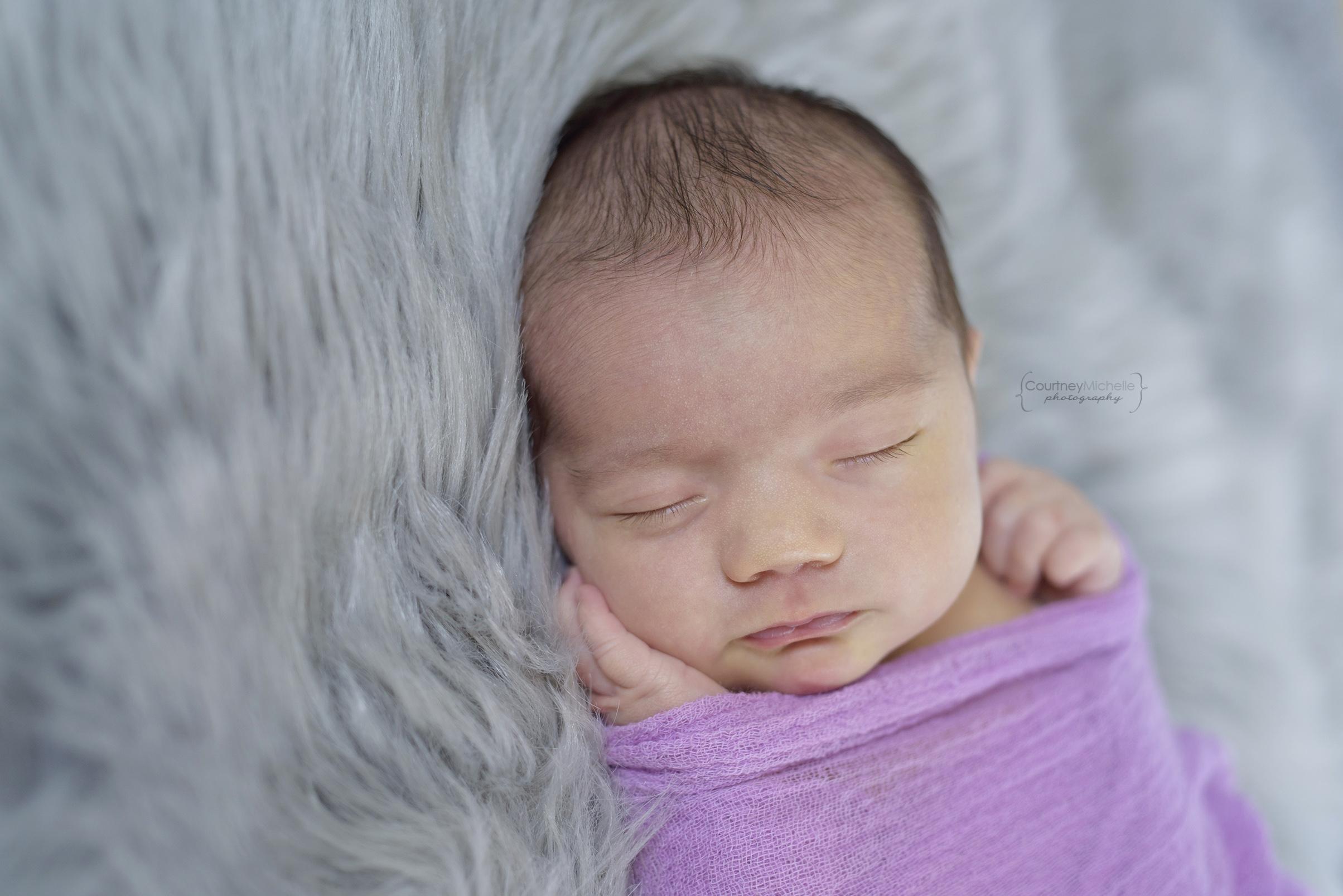 chicago-newborn-photographer-courtney-laper-lifestyle-©COPYRIGHTCMP-edit-1989.jpg