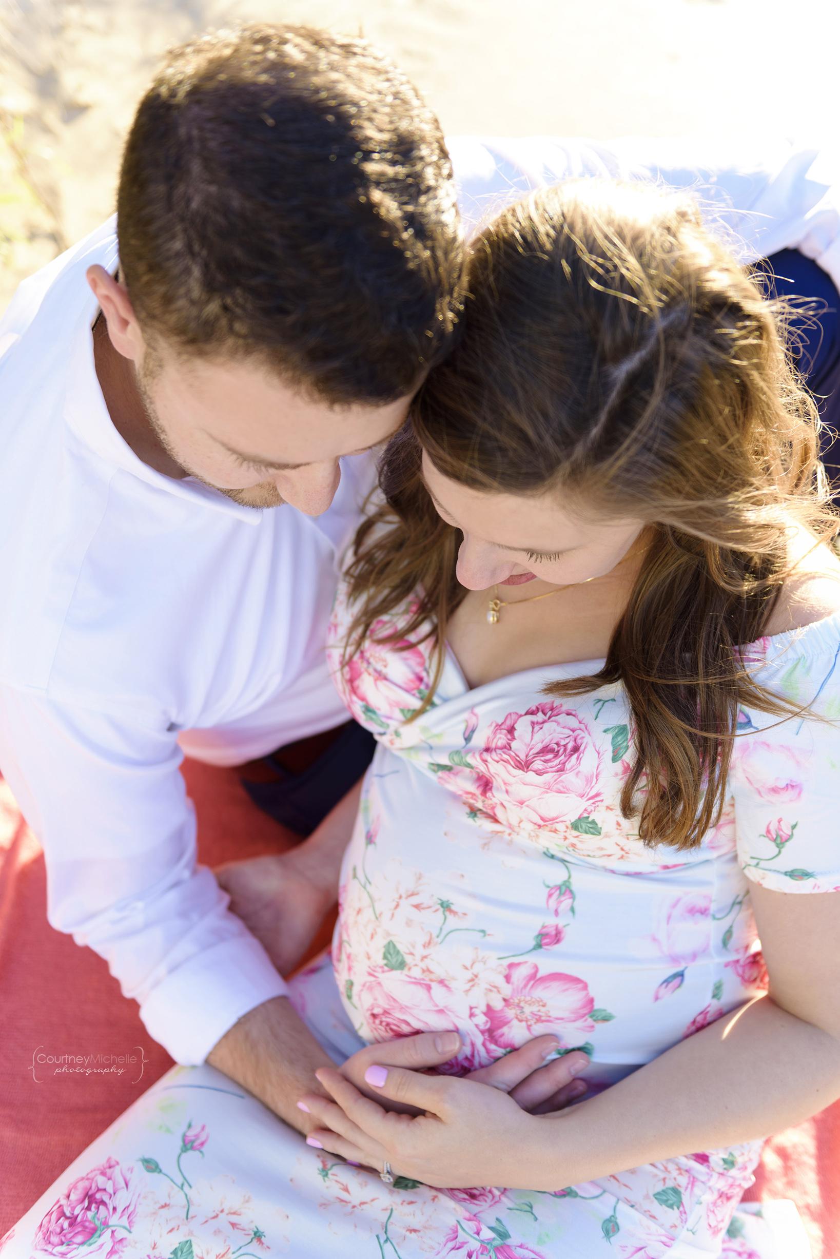 montrose-beach-chicago-maternity-session-courtney-laper©COPYRIGHTCMP-Maternity-3046-edit.jpg