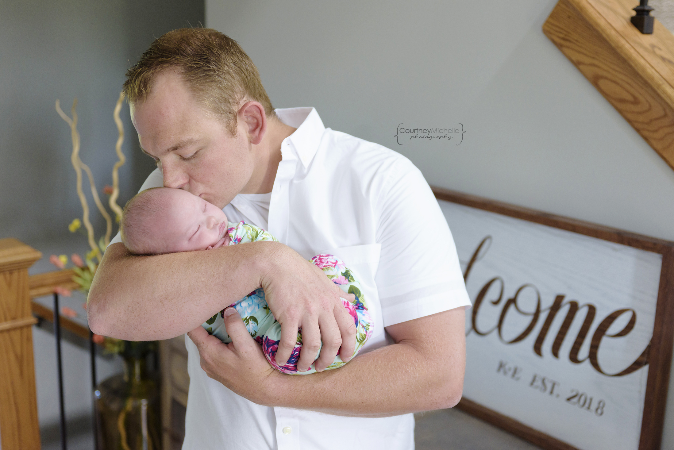 chicago-newborn-photographers-courtney-laper-lifestyle-session-dad-kissing-baby-girl-COPYRIGHTCMP-Camille20190705-2753-52.jpg