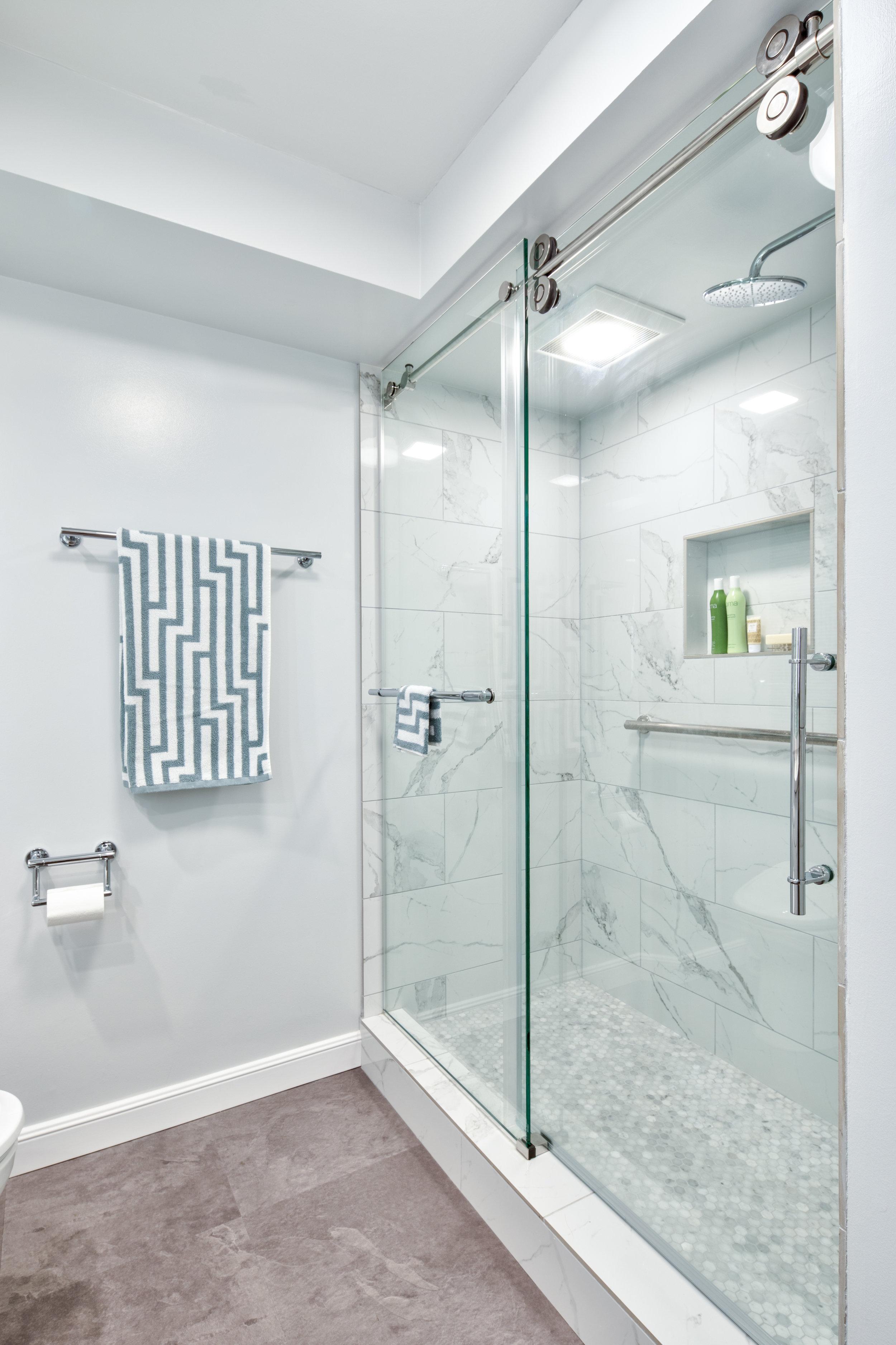 whitebathroom-3.jpg