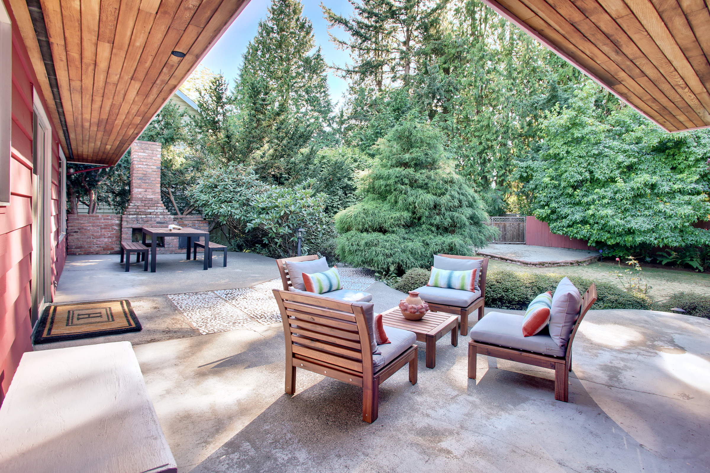 Crown Hill Mid Century - $837,000