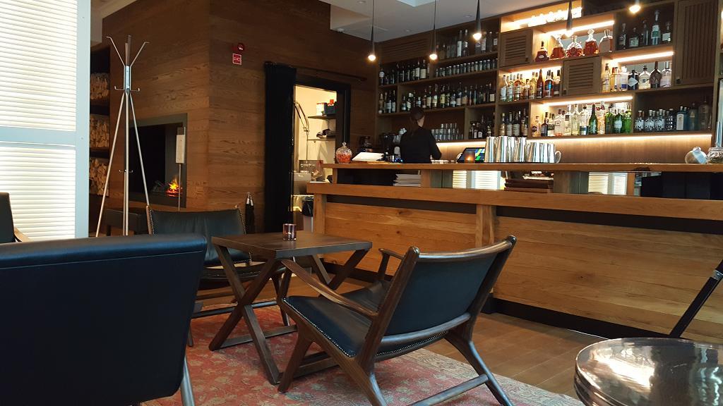 Lilla Roberts Bar