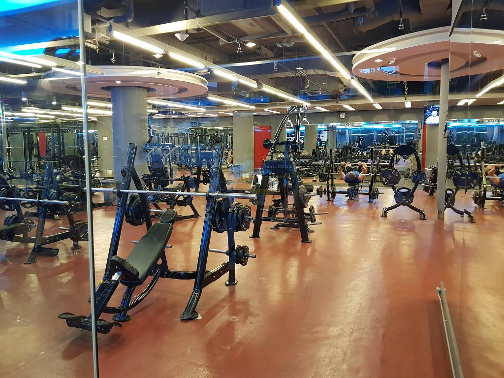 Fitness 7 Is an EXCELLENT gym here - Located at the The Avenue complex on 2nd Road