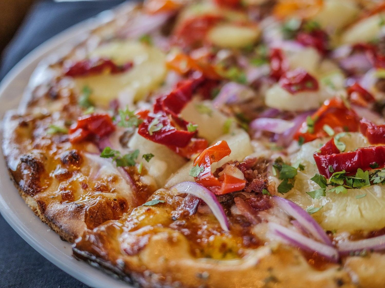 restaurant-reservations-Spokane-Valley-WA-Polynesian-Pizza.jpg