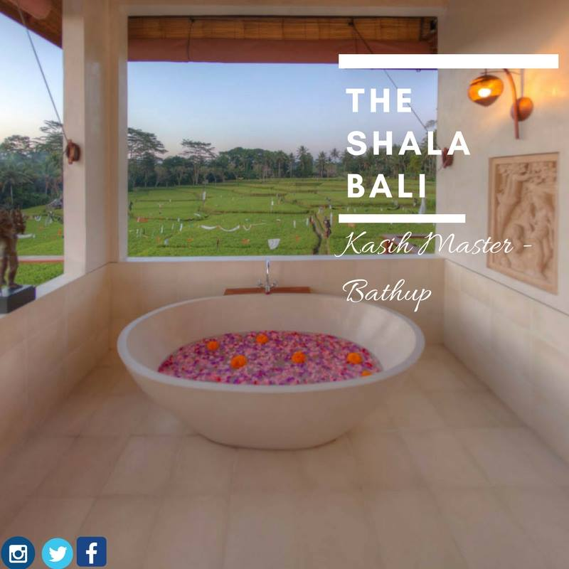 Villa Kasih bath.jpg