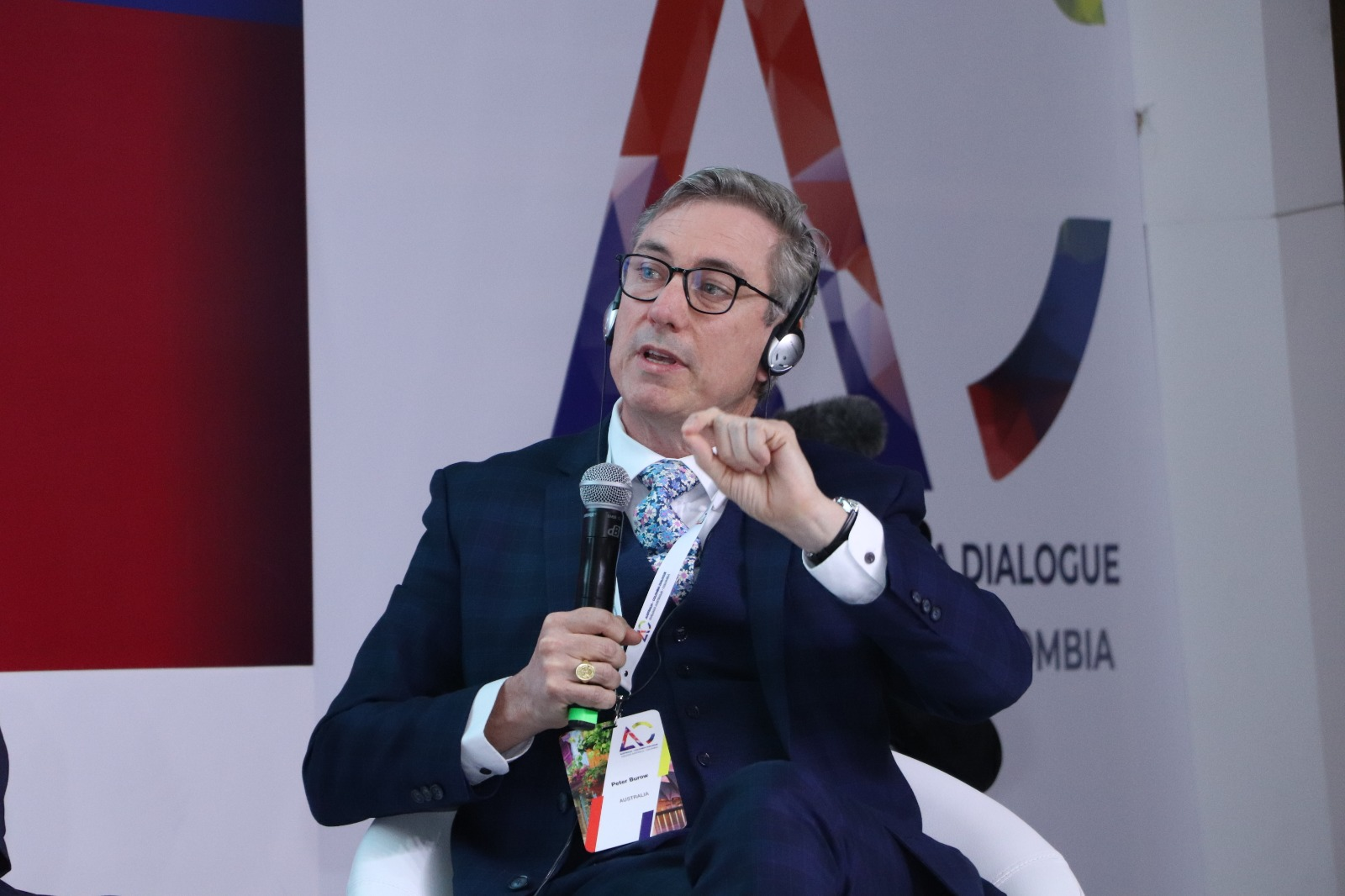 Bogotá, Colombia   Peter explores the role of trust, through the lens of neuroscience, in building strong commercial links between Australia and Colombia at the first Colombia - Australia dialogue in Bogotá in  June 2019
