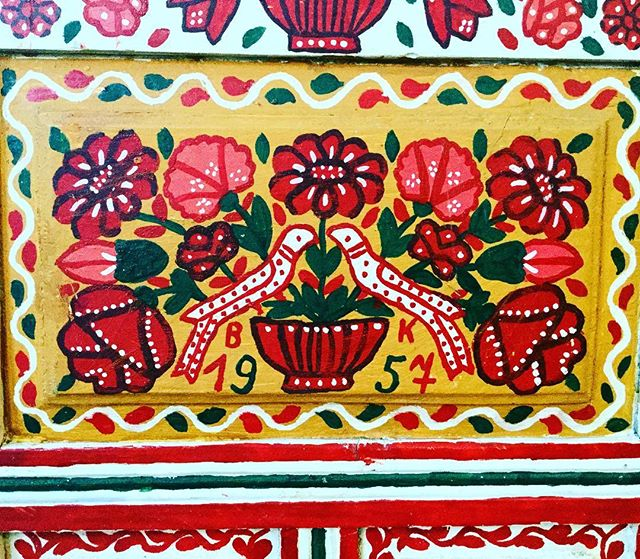 Detail of our amazing day bed. We love it! #furniture #bed #daybed #handpainted #hungary #hungarian #transylvania #exhibition #modernfolk #london #uk