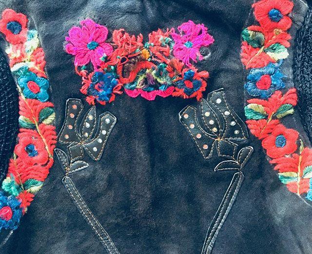 Amazing details of our Romanian vest. #transylvania #romania #antiques #vintage #forsale #london #antiquedealers #instagood #vest #embroidery #leather #clothes #forsale #exhibition #shop #folk #folkart #floral #flowers