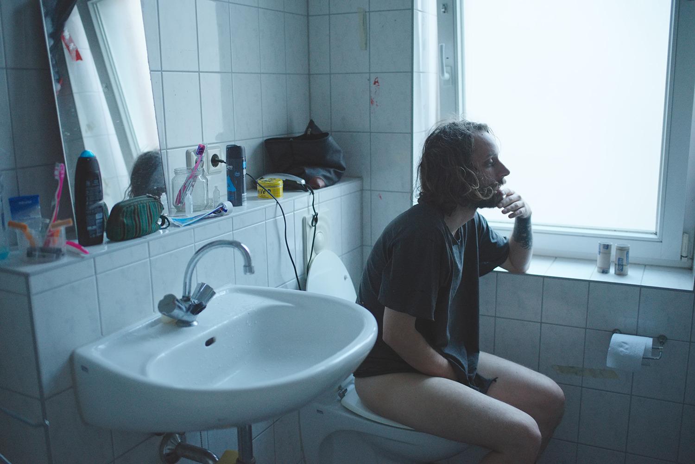 Tristan in the bathroom, Berlin, 2016