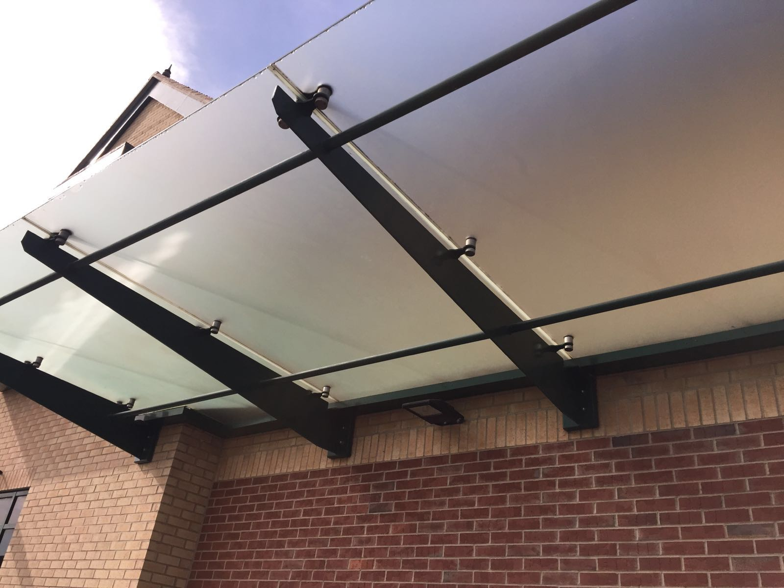 Canopy clean at Houghton Regis