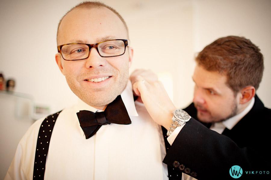bryllup-forberedelser-brudgom-forlover-fotograf-oslo-slips-knute-sloyfe.jpg