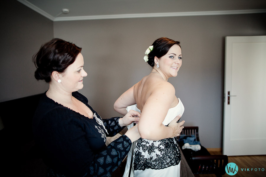 naturlig-lys-fotograf-oslo-bryllup-brudekjole-brud.jpg