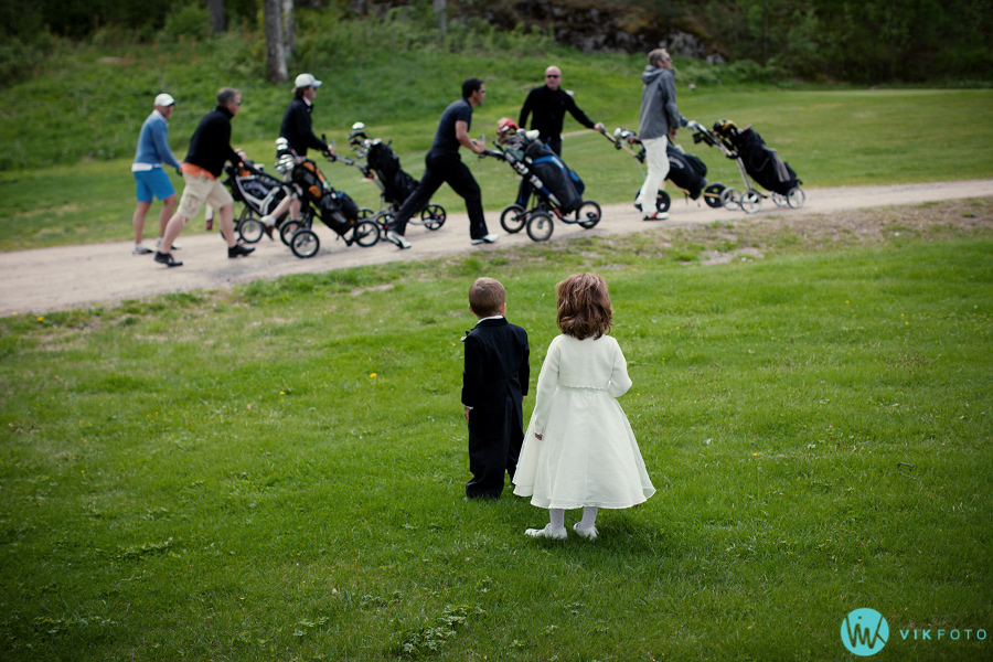 031-brudepike-brudesvenn-losby-gods-golf.jpg