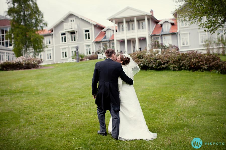 055-bryllupsfotografering-losby-gods-lørenskog.jpg
