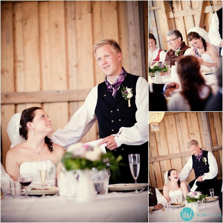 34-brudgommens-tale-bryllupsfotograf-heldags.jpg