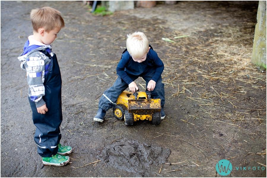 traktor-lek-barn-gravemaskin.jpg