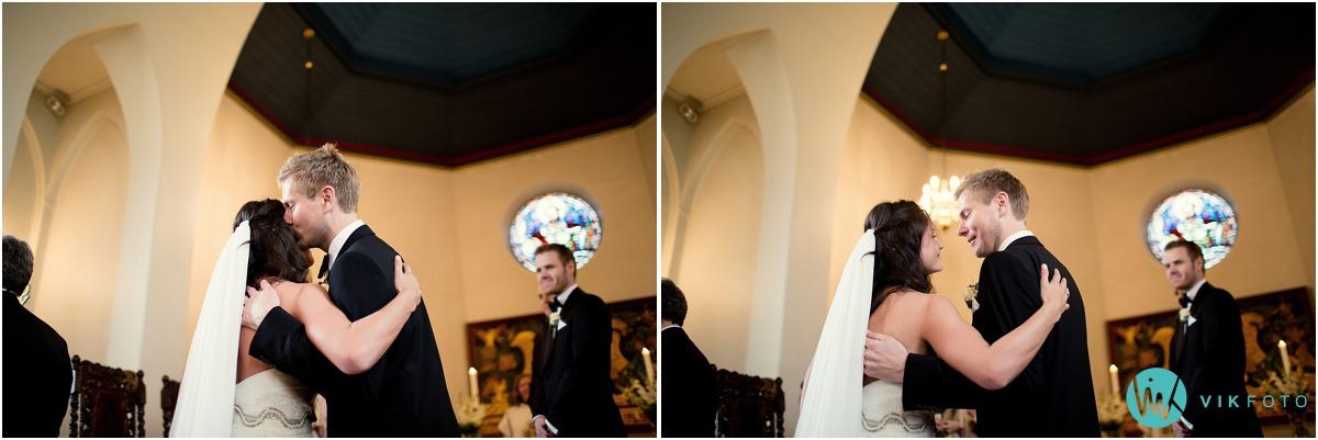 25-bryllupsfotograf-oslo-sorkedalen-kirke.jpg