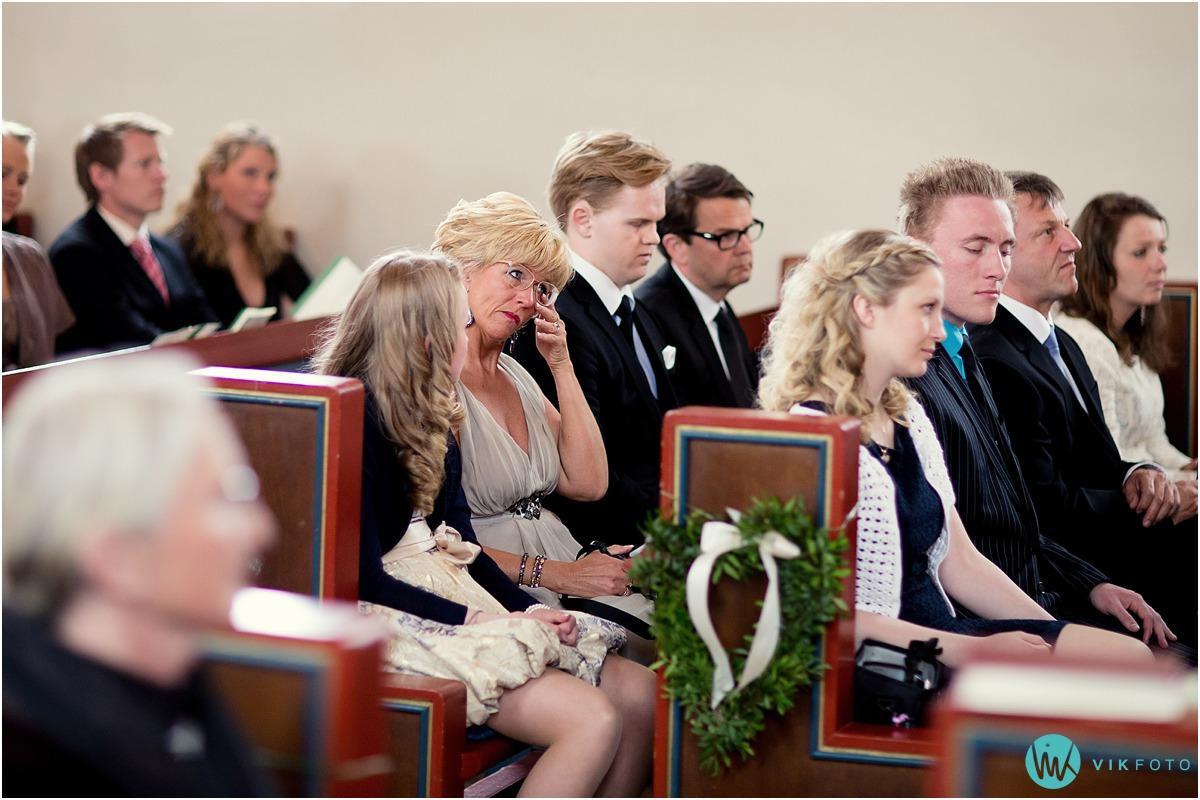 29-bryllupsfotograf-oslo-sorkedalen-kirke.jpg