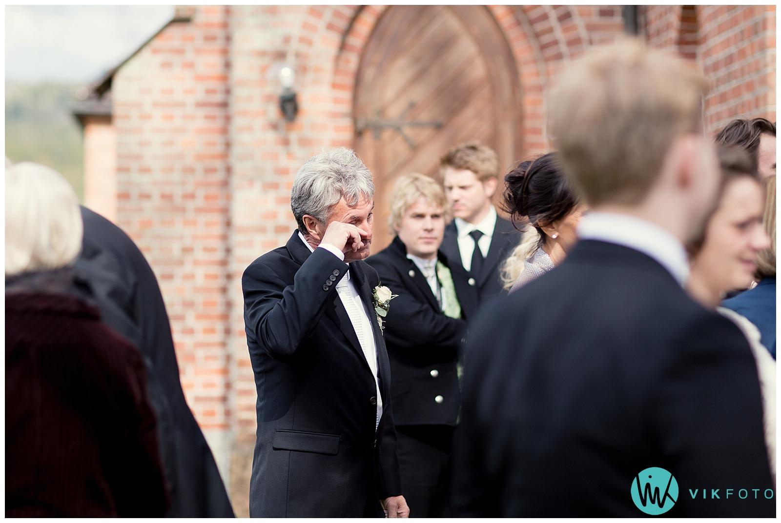 38-bryllupsfotograf-oslo-sorkedalen-kirke.jpg