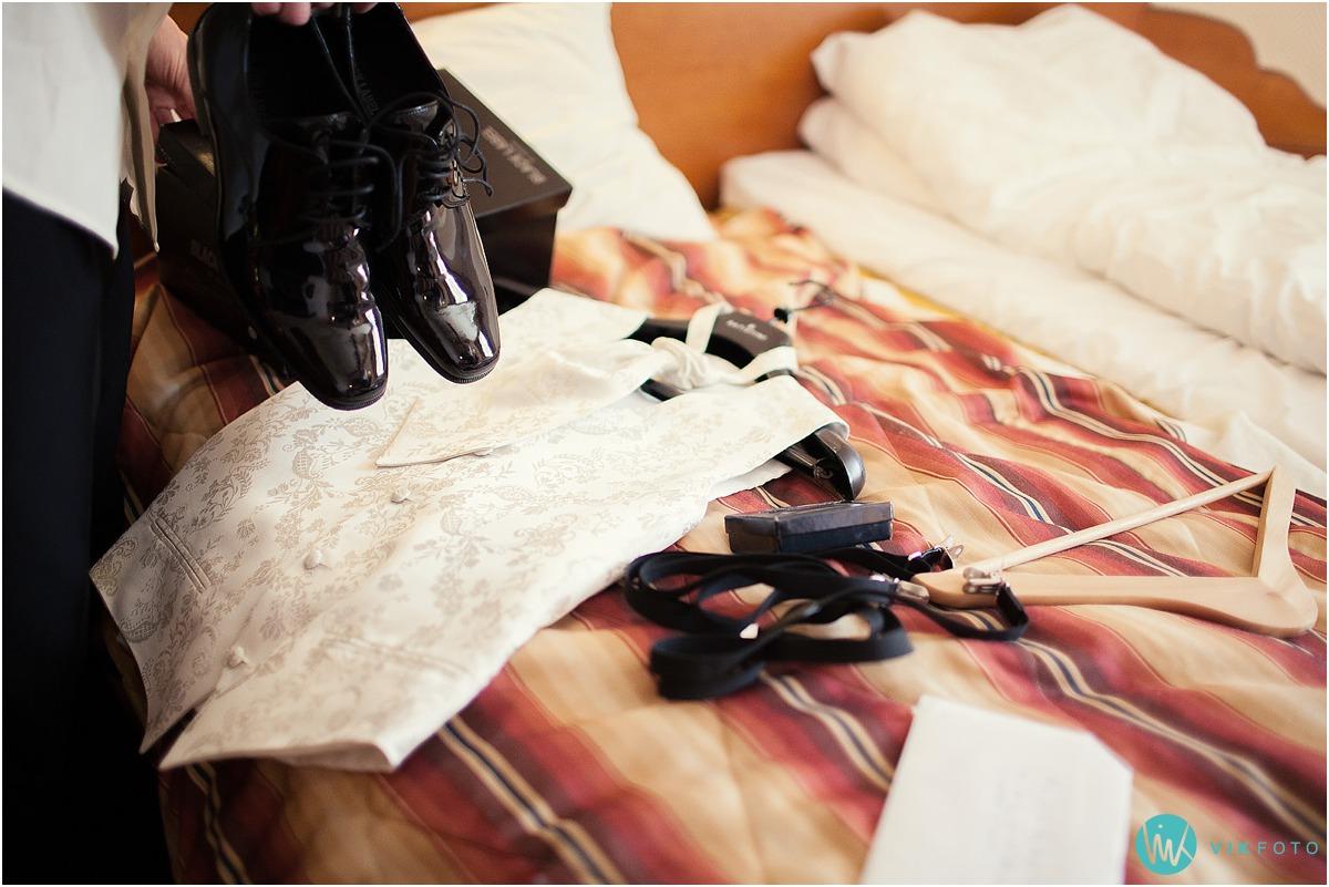 04-bryllup-forberedelser-brudgom-forlover-olavsgaard-hotell-lillestrom.jpg