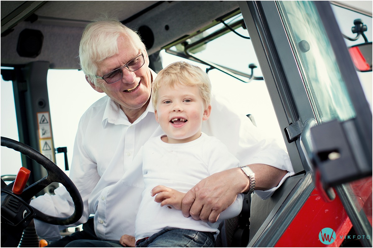 bestefar-traktor-fotograf-moss.jpg