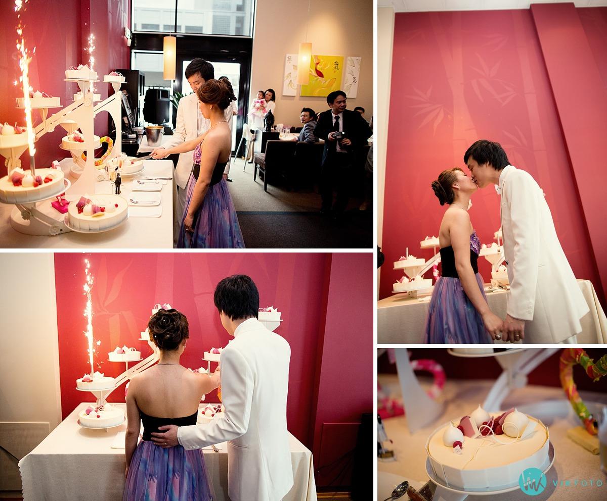 31-bryllupskake-brudepar-kakeskjæring.jpg