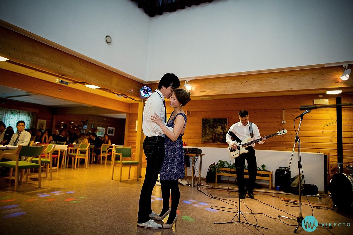 35-brudevals-brudepar-dans.jpg