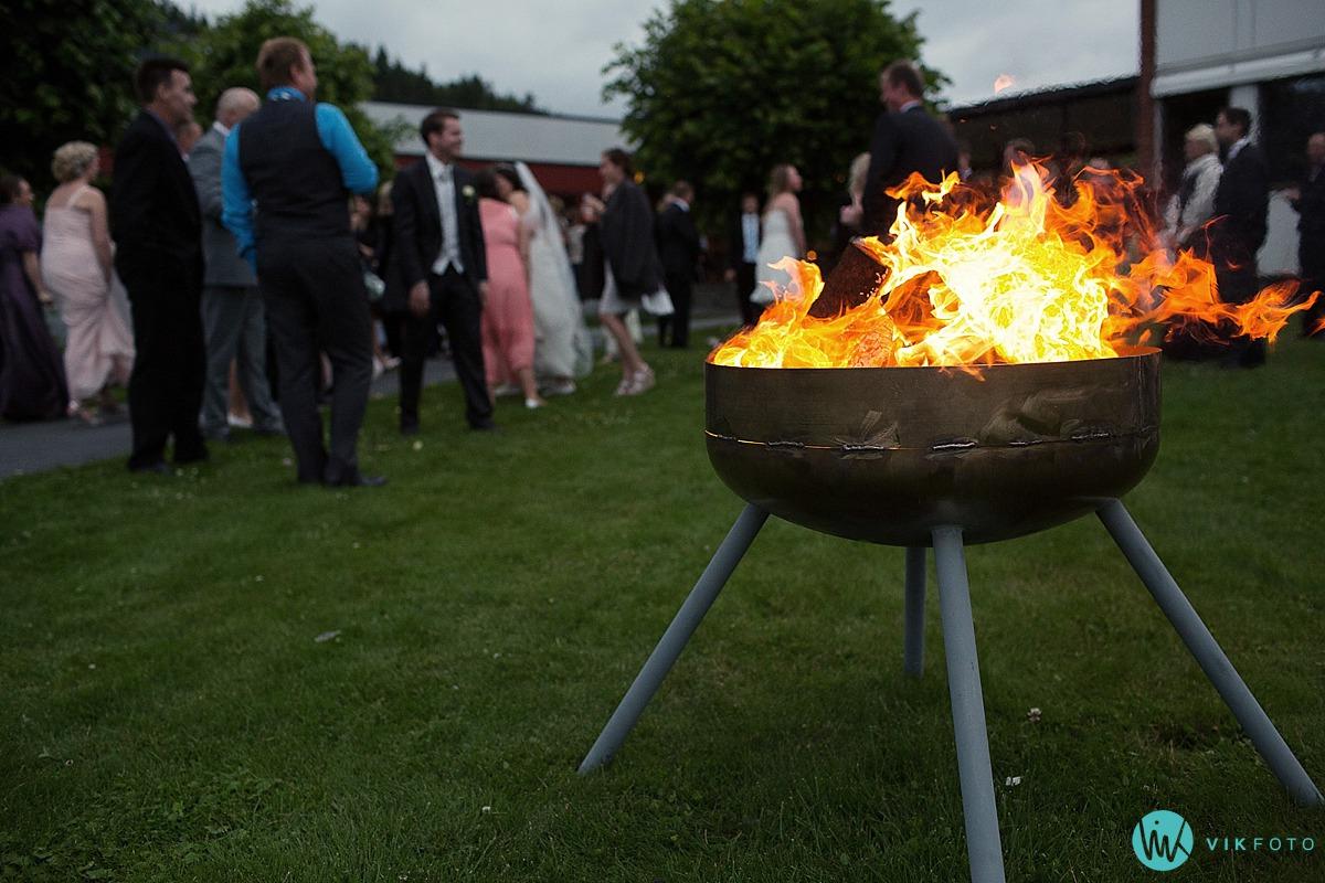 38-bryllup-grill-sommer-gjester.jpg