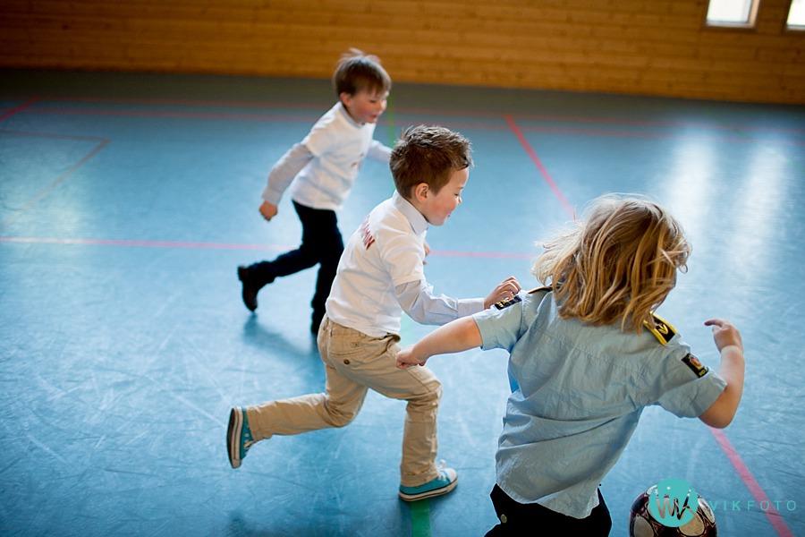 15-fotograf-sarpsborg-barnebursdag-brannmann-bursdag-brannstasjon.jpg