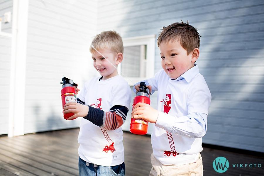 41-fotograf-sarpsborg-barnebursdag-brannmann-bursdag-brannstasjon.jpg